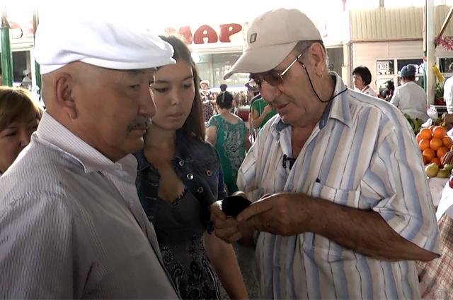 Георгий Лапков ходил с нитрат тестером по рынку