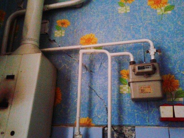 От недавнего ремонтав квартире Альберта Мирзоева не осталось и следа