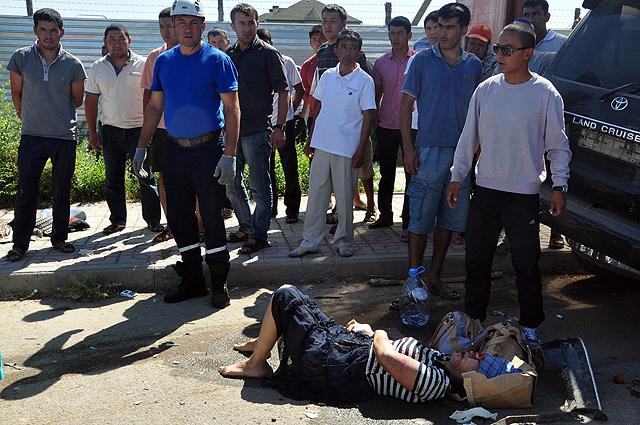 Пострадавшим оказывали помощь очевидцы ДТП и 10 бригад скорой помощи