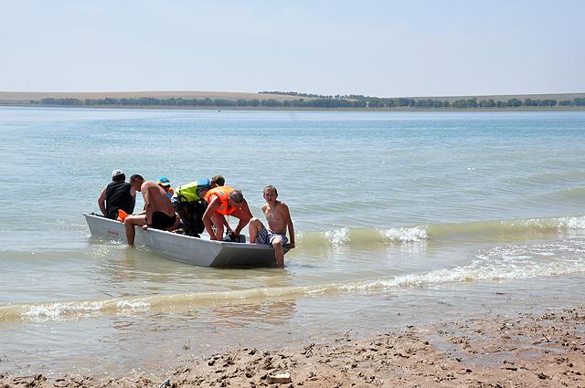 Спасатели  подбирали парашютистов
