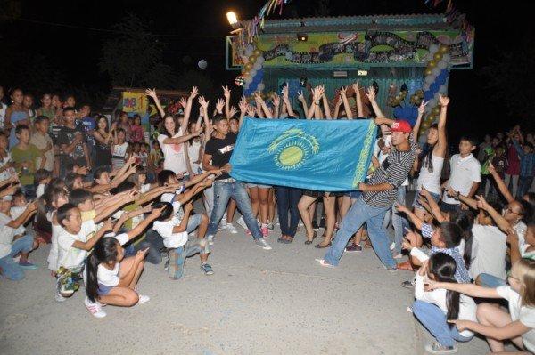 части: мы - казахстанцы!