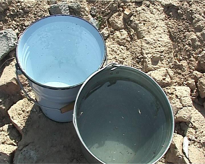 Грязная вода во всех колодцах в поселке Тас кеше