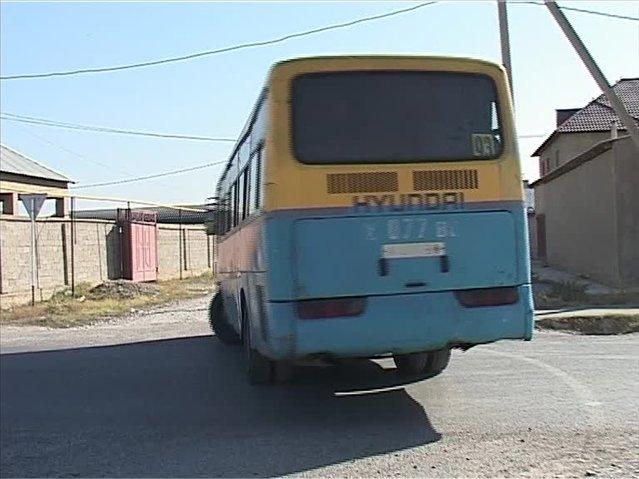 работой автобуса №93