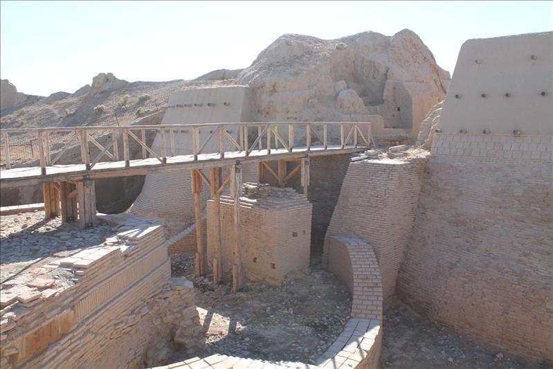 Ворота древнего Саурана