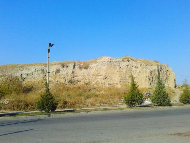 Городище Шымкент, находится рядом со старым автовокзалом
