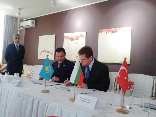 Казахстанские врачи подписали меморандум с болгарскими коллегами