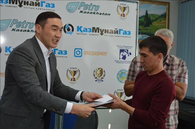 Тренер Айданы - Алмаз Куатбеков