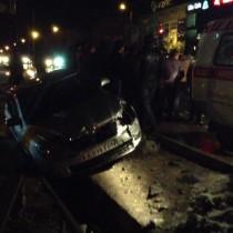 Автомобиль Skoda Octavia от удара вылетел в кювет