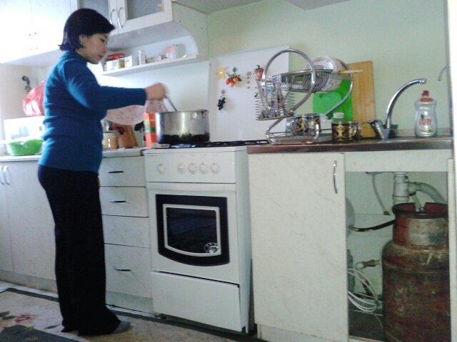 Жители Туркестана утверждают, что природный газ в их доме отключили в тот же вечер