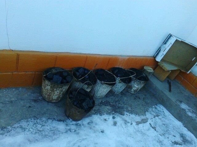 Сельчане закупают несколько тонн угля на зиму