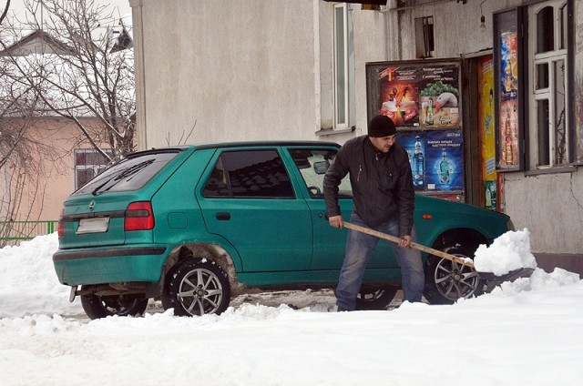 Откопал машину - оказалась чужая!