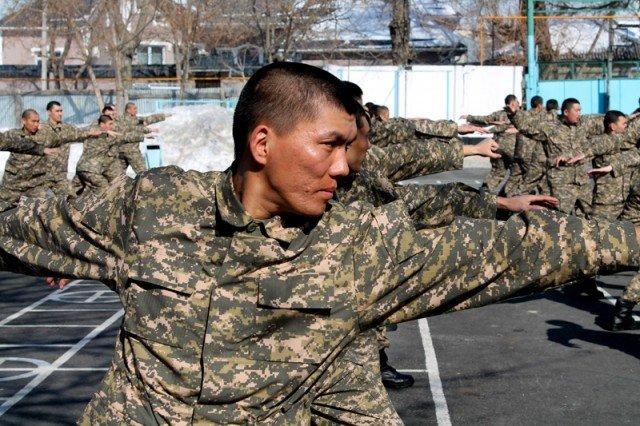 В Казахстане можно законно купить военный билет