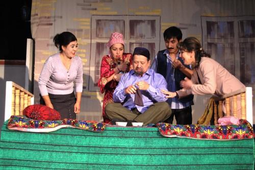 Артисты узбекского драматического театра