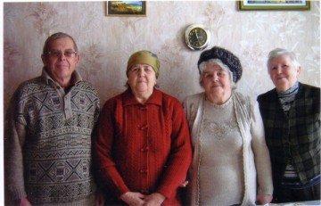 Дети фронтовика данилы Семенова (слева направо): Владимир, Агрипина,София, Алефтина