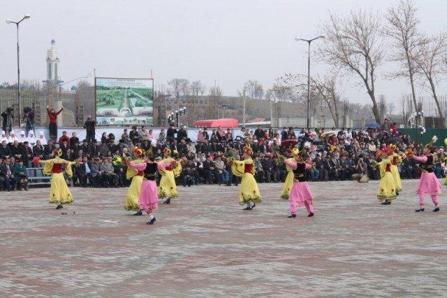 На площади Наурыз организовали грандиозный праздник