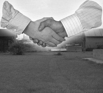 Договор о купле-продаже, а также все вышеуказанные документы должны быть заверены нотариусом