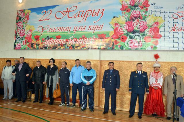 Старт соревнованиям дает сам начальник ДВД по ЮКО Аскар Оспанов