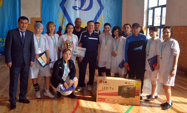Обладатели серебряных медалей турнира по волейболу