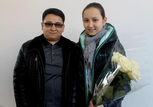 Жансая Абдумалик вместе с отцом Данияром Ашировым