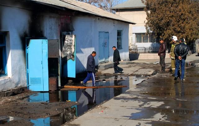 Пожар произошел на территории шымкентского ЖДВ