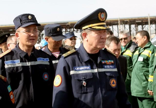 На месте за учениями наблюдал директор департамента ликвидации ЧС МЧС РК, генерал-майор Диханбек Сатылганов