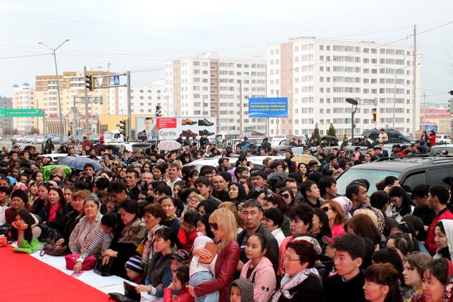 """Праздник Наурыз торговая сеть """"Изуми"""" отмечает вместе с покупателями"""