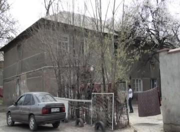 Дом № 112, расположенный по улице Гагарина был возведён ещё в середине прошлого века