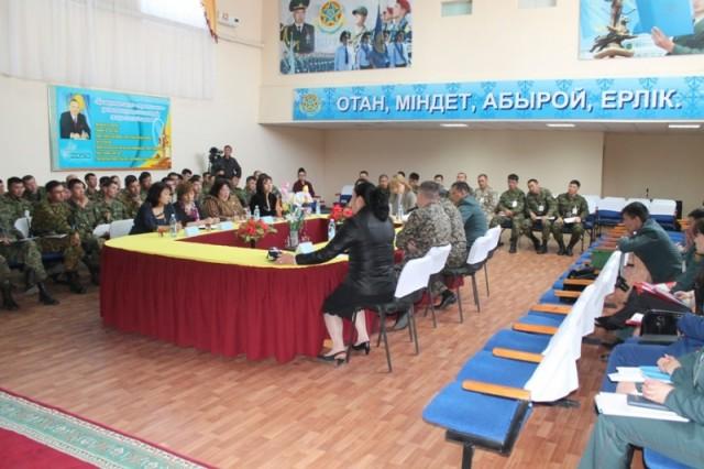 Военные и гражданские психологи обсудили необходимые рекомендации для создания нормального морально-психологического климата в подразделениях вооруженных сил