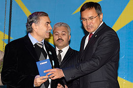 Председатель южно-казахстанского греческого культурного центра «Ирини» Дмитрий Иванович Сидиропуло