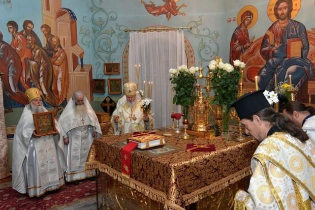 В алтаре свято-Никольского кафедрального собора