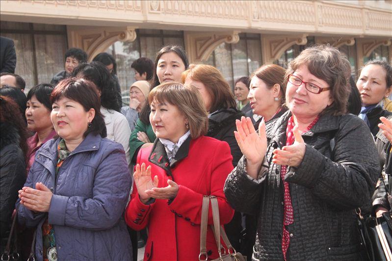 Зрители собрались на церемонию заранее