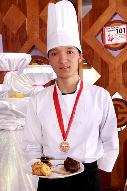 Участник конкурса Арысламбек Орызбай отдал предпочтение местным исходным продуктам