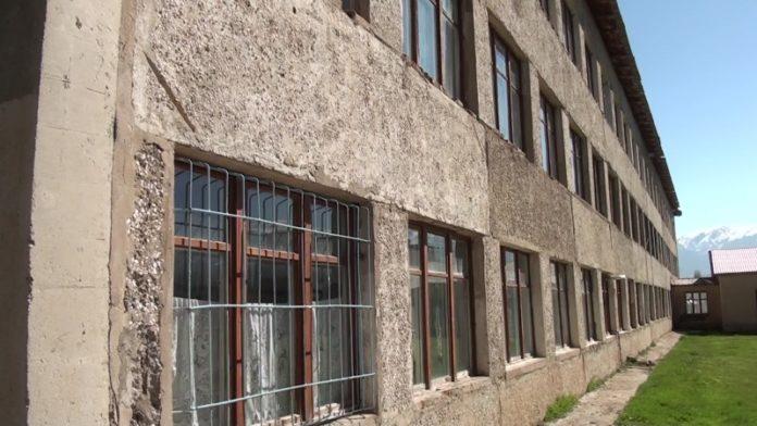 Школе требуется капитальный ремонт