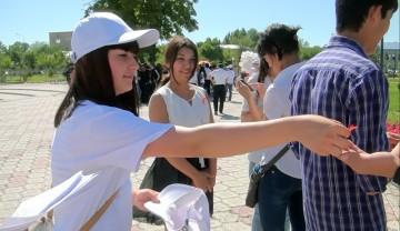 """Шымкентская молодежь провела акцию """"День памяти жертв СПИДа"""""""