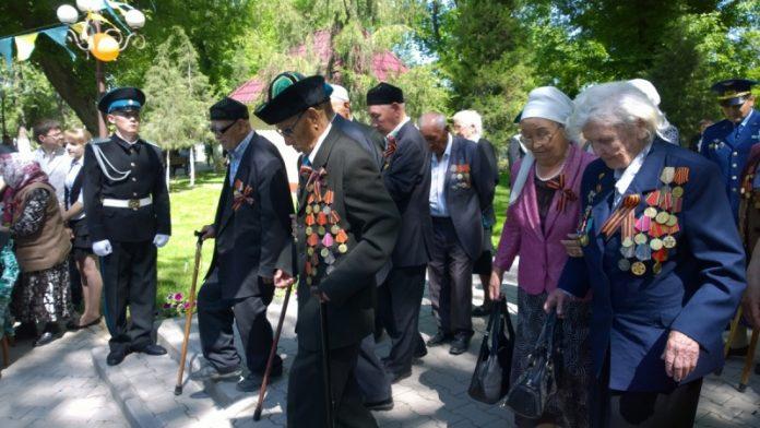 Акимат Енбекшинского района поздравил ветеранов ВОВ