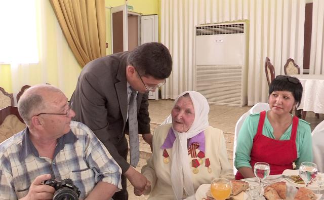 Аль-Фарабийский акимат поздравил героев войны с Днем Победы