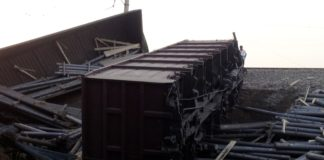 Сошли с рельсов вагоны грузового поезда