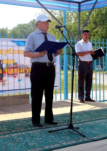 Участников приветствует генерал-майор КНБ РК, Нурлан Бекмухамбетов
