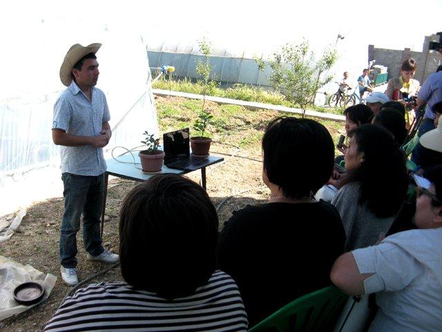 Уже более 10 лет аграрий Сергазы Бекмурат занимается сельским хозяйством, выращивает местные овощи, поставляя их на рынки города