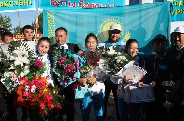 Казахстанcкие кикбоксеры победили на Кубке мира