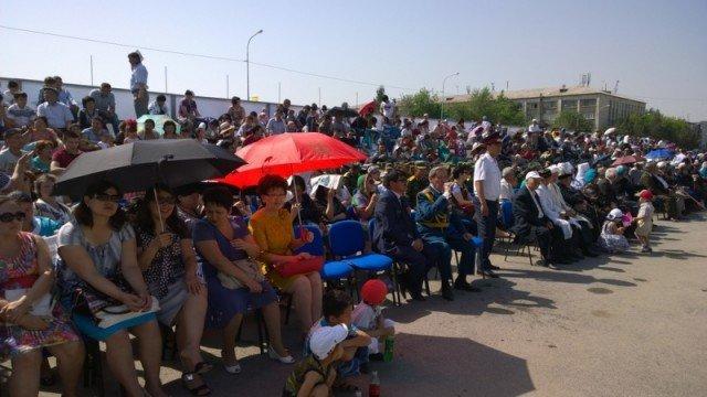 Палящее солнце не помешало горожанам отпраздновать День защитника Отечества на площади