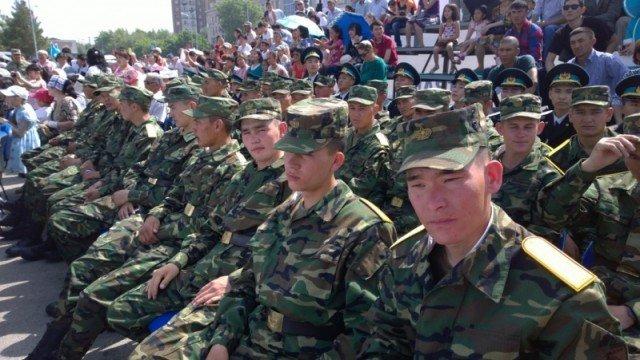 Военнослужащие, верные присяге, стойко переносят тяготы и лишения воинской службы