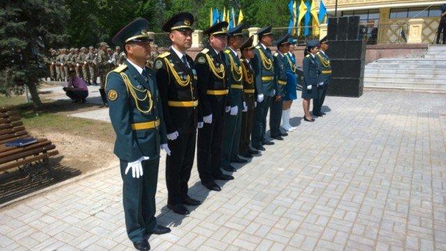 Праздновали День Защитника Отечества военнослужащие вооруженных сил страны всех видов войск
