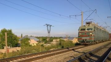 Полицейские задержали подростков, кидавших камни в поезда