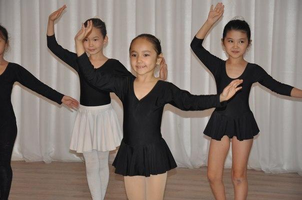 Не успев вернуться с республиканского конкурса «Рауан-2014», юные танцоры детской школы искусств, вновь, за работой
