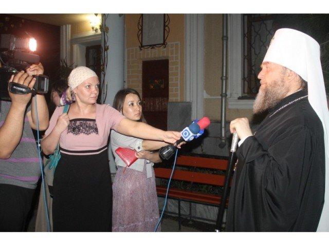 Митрополит Казахстанский Александр с удовольствием побеседовал с журналистами