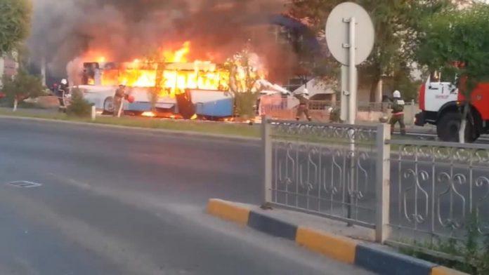 Автобус выгорел полностью