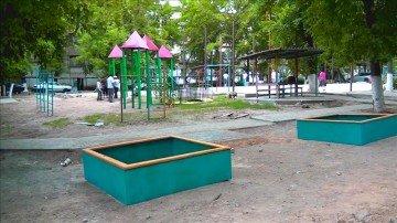 До конца года в Абайском районе будут построены 65 детских и 32 спортивные площадки