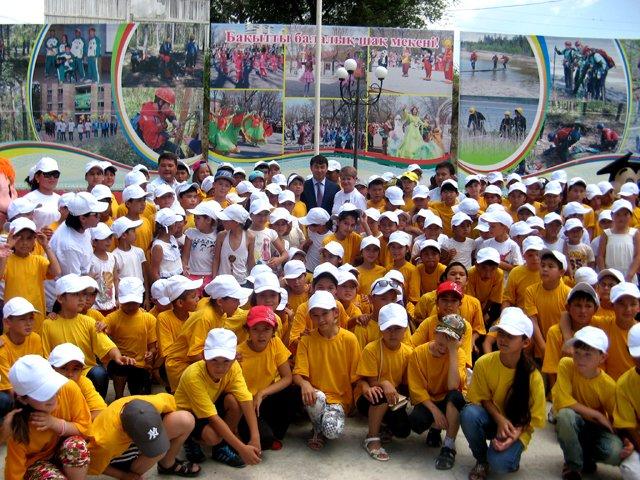 В Сайрамском районе торжественно открылась первая смена оздоровительного лагеря
