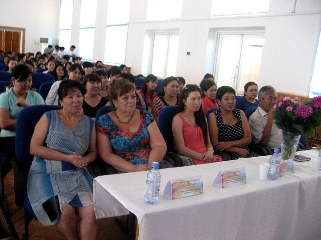 В качестве экспертной комиссии представители производств на которых студенты проходили практику